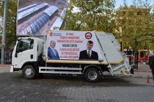 Ümraniye Belediyesi Susurluk Belediyesine Çöp Aracı Hediye Etti