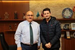 İstihdam Merkezimiz Aracılığıyla İş Sahibi Olan Ramazan Sağır'dan Başkan Hasan Can'a Teşekkür Ziyareti