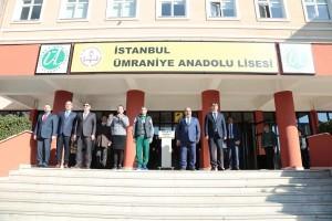 Başkan Hasan Can Bayrak Töreni'nde Öğrencilerle Bir Araya Geldi
