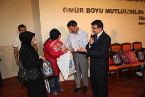 Ümraniye Belediyesi'nden 2 Bin 500 Öğrenciye Kırtasiye Yardımı