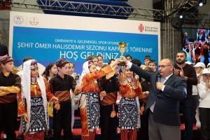 9.Geleneksel Spor Oyunları ve Gençlik Şöleni'nde Ödüller Sahiplerini Buldu