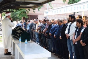 Başkan Hasan Can Tunceli Valisi Osman Kaymak'ın Yeğeninin Cenazesine Katıldı