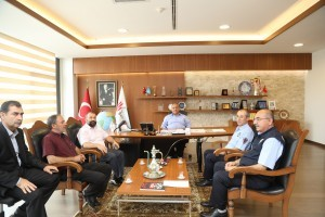 Emekli Olan Zabıta Memurlarından Başkan Hasan Can'a Ziyaret