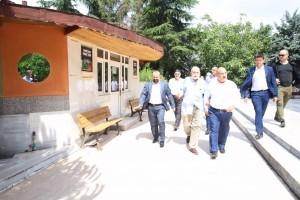 Başkan Hasan Can Ümraniye Belediyesi Tarafından Çevre Düzenlemesi Yenilenen Alparslan Camii'ni Ziyaret Etti