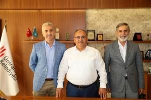 Üsküdarlı Kur'an Kursu Hocaları Halil İbrahim Çoraklı ve Ahmet Çebi Başkan Hasan Can'ı Ziyaret Etti