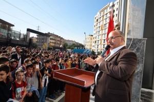 Başkan Hasan Can, Bayrak Töreninde Öğrencilerle Bir Araya Geldi
