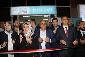 Başkan Hasan Can TÜGVA Kitap Kafe'nin Açılışını Yaparak Gençlerle Buluştu