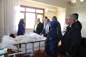 Başkan Hasan Can Trafik Kazası Geçiren Ümraniyeli Zülfikar Görgü'yü Evinde Ziyaret Etti