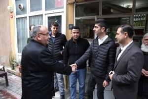 Başkan Hasan Can Yamanevler Mahallesi'nde Gençler ve Vatandaşlarla Bir Araya Gelerek Sohbet Etti