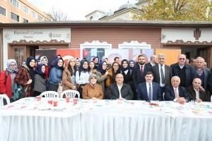 Ümraniyeliler Arakanlı Müslümanlara Yardım Evi'ni Uzatmaya Devam Ediyor