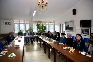 Ümraniye Belediye Başkan Yardımcıları, Kazım Karabekir Cemevi'nin Kahvaltı Programına Katıldı