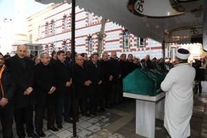 Başkan Hasan Can Çekmeköy Belediye Başkanı Ahmet Poyraz'ın Kayınbiraderinin Cenazesine Katıldı