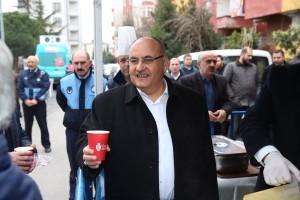 Başkan Hasan Can Cuma Namazı Sonrasında Vatandaşlara Çorba İkram Etti
