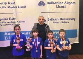 Ümraniye Belediyesi Satranç Kulübü'nden Dört Kupa Daha!