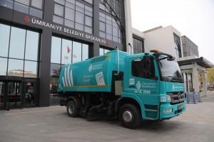Ümraniye Belediyesi Yol Süpürme Araçlarının Renklerini Yeniliyor!