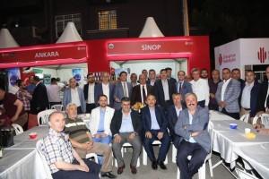Başkan Hasan Can Ramazan Etkinlik Alanı'ndaki Sinoplular Derneğinin Standını Ziyaret Etti