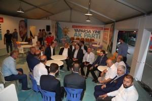 Başkan Hasan Can Alemdağ Caddesi'ndeki Esnafları, AK Noktaları ve İHH Ümraniye Standını Ziyaret Etti