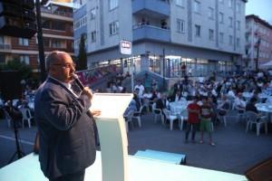 Ümraniye Belediyesi Geleneksel Sokak İftarları'nda Binlerce Ümraniyeli Ağırlamaya Devam Ediyor