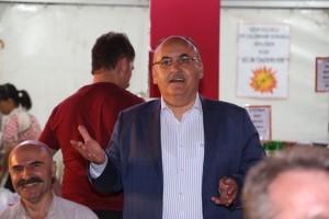 Başkan Hasan Can, Santral Ramazan Etkinlik Alanında Ümraniye İl Dernekler Platformunun Düzenlediği Sahur Programına Katıldı