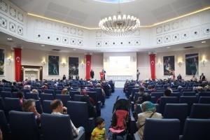 Ümraniye Belediyesi Bu Bayram da İhtiyaç Sahibi Ailelerin Yüzünü Güldürüyor