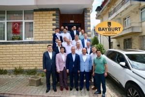AK Parti Genel Başkan Yardımcısı Mustafa Ataş, Başkan Hasan Can ve İlçe Başkanı Av. Mahmut Eminmollaoğlu Bayburtlular Derneğini Ziyaret Etti
