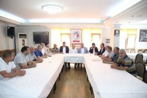 Başkan Hasan Can ve İlçe Başkanı Av. Mahmut Eminmollaoğlu, Gümüşhane İli ve İlçeleri Yardımlaşma ve Kalkındırma (GÜYAD) Derneğini Ziyaret Etti