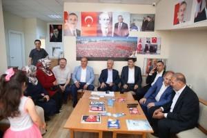 AK Parti Genel Başkan Yardımcısı Mustafa Ataş, Başkan Hasan Can ve AK Parti Ümraniye İlçe Başkanı Av. Mahmut Eminmollaoğlu, AK Parti Ümraniye Çakmak Mahalle Teşkilatını Ziyaret Etti