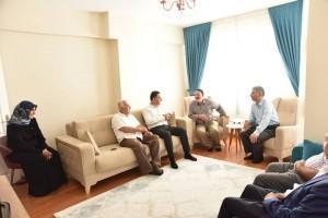 Ümraniye Belediyesi Şehit Aileleri ve Gazileri Ziyaret Etmeye Devam Ediyor