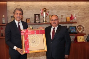 AK Parti Genel Merkez Yerel Yönetimler İstanbul Bölge Sorumlusu ve İstanbul Milletvekili Mustafa Demir Başkan Hasan Can'ı Ziyaret Etti