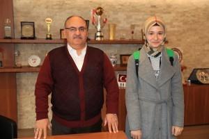 Ümraniye Belediyesi Ezbere Güzel Şiir Okuma Yarışması'nda 3. Olan Sümeyye Haskırış'tan Başkan Hasan Can'a Sürpriz Ziyaret