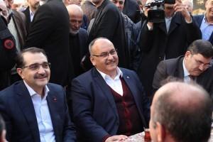Enerji ve Tabii Kaynaklar Bakanı Fatih Dönmez, ve Başkan Hasan Can Ümraniye'de Vatandaşlarla Bir Araya Geldi