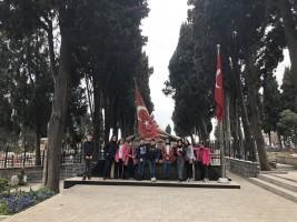 Bilge Çocuklar Şair Mehmet Akif Ersoy'u Kabri Başında Andı