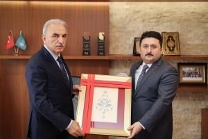 Başkan İsmet Yıldırım Altıeylül Belediye Başkanı Hasan Avcı'yı Ağırladı