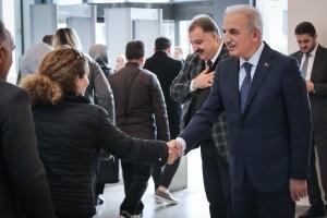 Başkan İsmet Yıldırım Belediye Personelinin Berat Kandilini Tebrik Etti