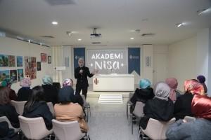 Akademi Nisa'nın Bu Haftaki Konuğu Prof. Dr. Mim Kemal Öke Oldu
