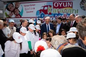 """""""Oyun Karavanı Yollarda"""" tırı 23 Nisan Ulusal Egemenlik ve Çocuk Bayramı'nda Ümraniye'den Uğurlandı"""