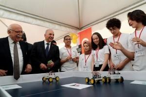 Başkan İsmet Yıldırım Bilim Fuarı'nda Gençlerle Buluştu