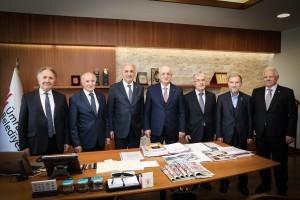 Başkan İsmet Yıldırım TBMM Eski Başkanı İsmail Kahraman'ı Ağırladı