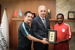 Tokyo 2020 Olimpiyatlarına Katılma Hakkı Kazanan Milli Atlet Mert Gırmalegesse'den Başkan Yıldırım'a Ziyaret