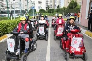 Ümraniye'de Trafik Haftası Eğitimi Verildi
