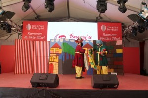 Ramazan'ın Vazgeçilmezi Hacivat-Karagöz Tiyatro Oyunu Büyük İlgi Gördü