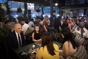 Ümraniye Belediye Başkanı İsmet Yıldırım Bayramda da Gençlerle Bir Arada