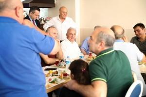 Başkan İsmet Yıldırım Marmara Caddesi Esnafıyla Bir Araya Geldi