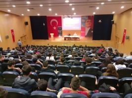 """Kültür-Sanat Okulda Başlar'da """"Edebiyat ve Medeniyet"""" Konuşuldu"""