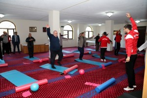 Ümraniye'de Camilerde '5 Vakit Namaz, 1 Vakit Spor' Projesi Başladı