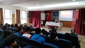 Edebiyat Araştırmacısı Prof. Dr. Azmi Bilgin Öğrencilerle Bir Araya Geldi