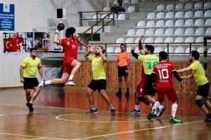 Ümraniye Belediyesi Hentbol Takımı Lige Galibiyetle Başladı