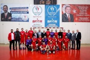 Ümraniye Belediyesi'nin Hentbol Takımı Bölgesel Ligde Şampiyon Oldu