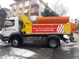 Ümraniye Belediyesi Kar Yağışına Karşı Çalışmalarını Sürdürüyor