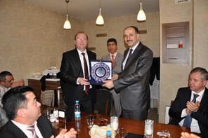 Eğitim-Bir-Sen 3 No'lu Şube'den Başkan Hasan Can'a Teşekkür Plaketi